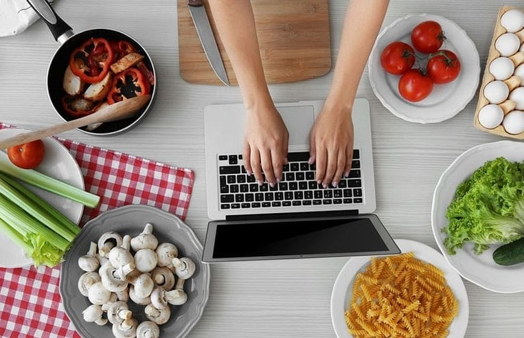 Top SEO Tips To Nail Your SEO Strategy For Food Blogs