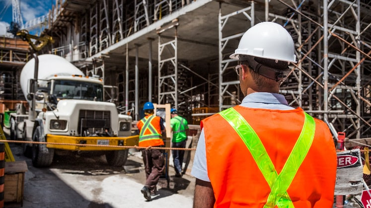 Key roles and responsibilities of construction project manager